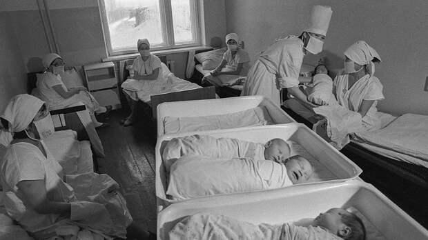 Калмыцкая АССР. Элиста. 4 февраля 1989 года. В Элистинском родильном доме