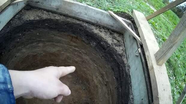 Старый колодец оказался сокровищницей: клад вытаскивали несколько часов