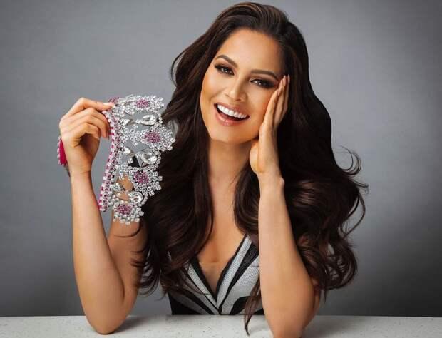 Самой красивой девушкой вселенной стала мексиканка Андреа Меза