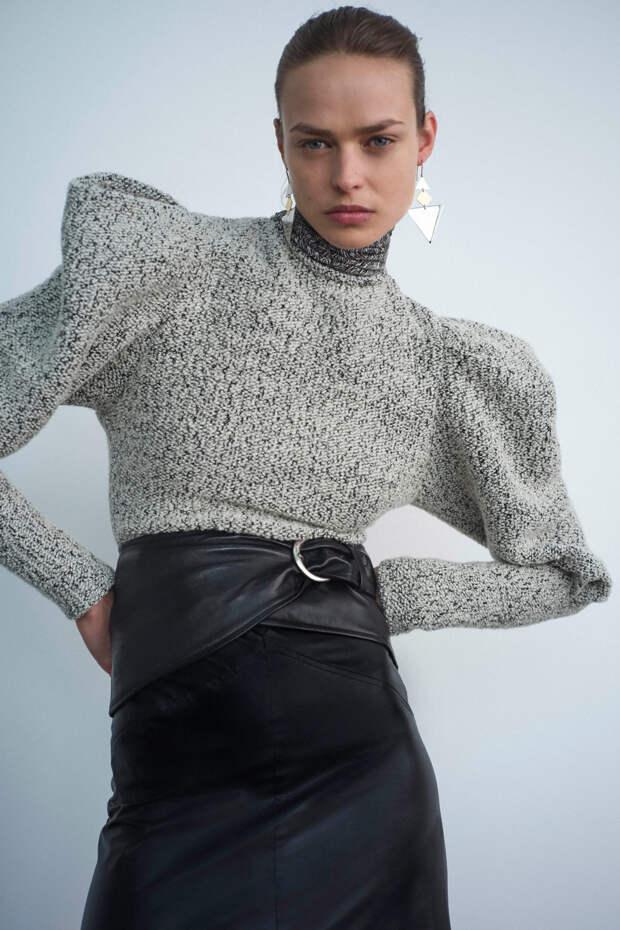 Как носить вещи с объемными рукавами и выглядеть при этом стильно