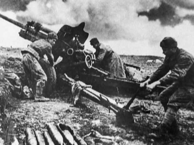 11 апреля: День освобождения Керчи, Джанкоя и Красноперекопска