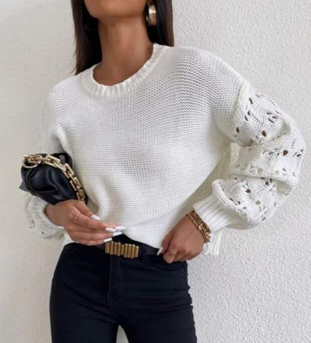 Пуловеры спицами с акцентом на рукавах