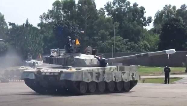 ВО: армия Пакистана получила новые танки «Al-Khalid-1»