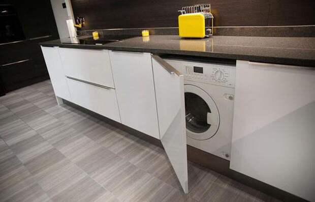Россиян заставляют убирать стиральные машины из кухни. Всему виной – незаконная перепланировка