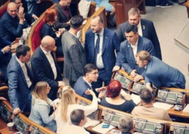 Соросята хотят вернуть под свой контроль образование и медицину в Украине