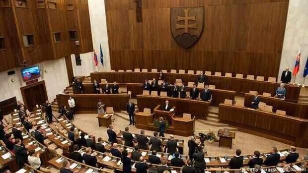 Голос Мордора: Как в Словакии до сих пор борются с советским режимом