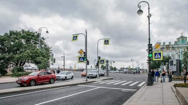 Петербуржцев предупредили об ограничении движения в центре города