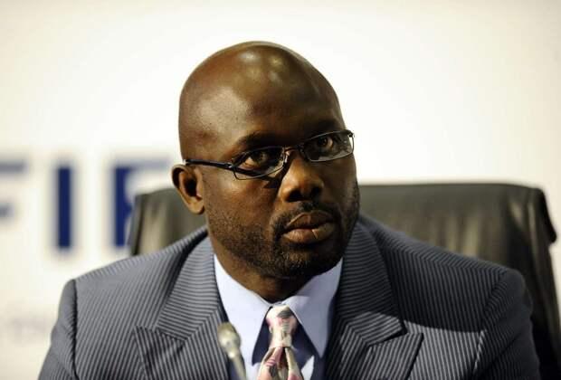 Поработаю из дома: президент Либерии не смог попасть в свой кабинет из-за змей