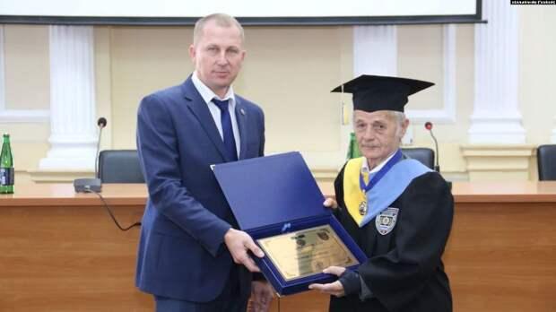 Джемилева сделали профессором университета МВД в Одессе