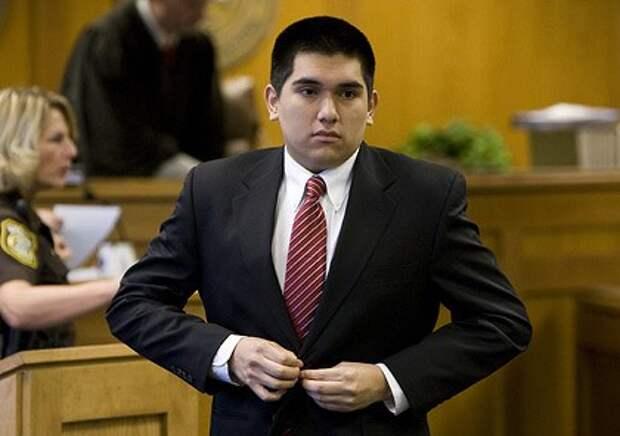 Школьник получил 15 лет тюрьмы за шантаж в социальной сети