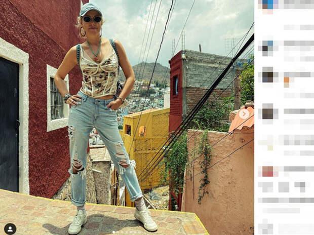 """Собчак в провисших джинсах удивила фигурой: """"Исхудала девушка"""""""