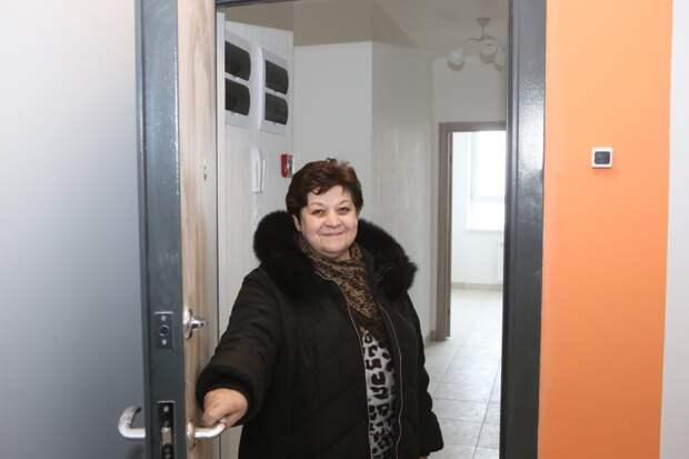 Светлана Сургучева показывает новую квартиру / Фото: Ярослав Чингаев