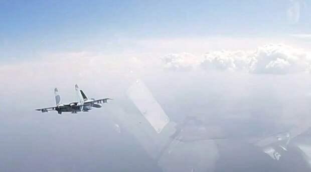 Россия вновь подняла Су-27 для перехвата самолетов Франции над Черным морем