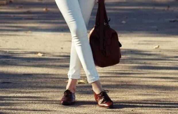 И без каблуков можно выглядеть элегантно: приемы для создания стильных образов с обувью на низком ходу