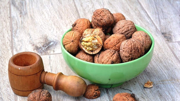 Диетолог Денисова назвала размер безопасной суточной порции орехов