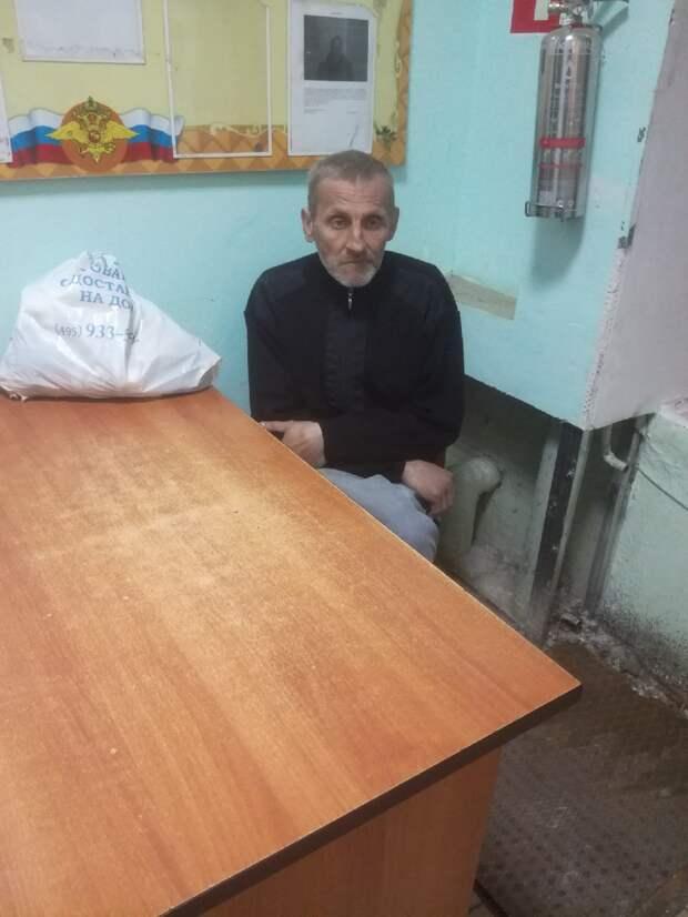 В Тверской области разыскали мужчину, который 14 часов шел в никуда
