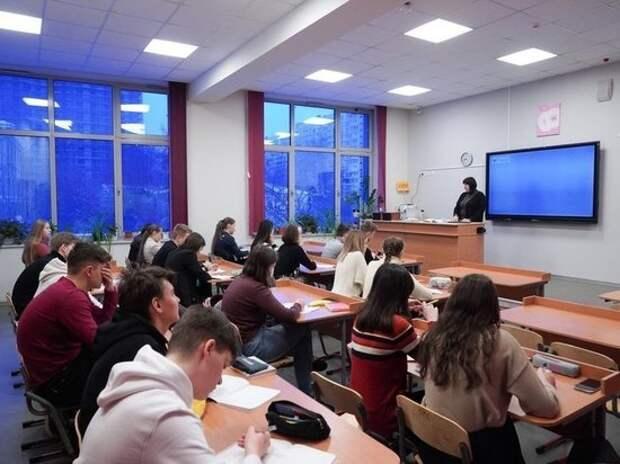 Школьные каникулы в новом учебном году сократят на неделю