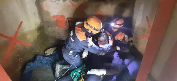 «Под завалами могут находиться сотни людей» – казахстанские спасатели отправились в Россию