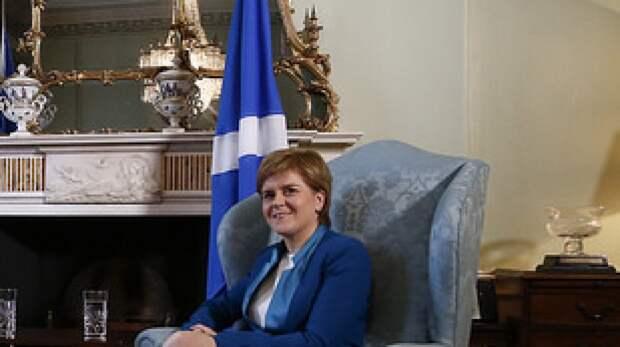 Лидер Шотландской национальной партии призвала Лондон не вмешиваться в дела Эдинбурга
