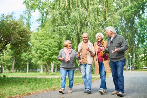 Для пенсионеров из Северного проведут бесплатные экскурсии по ВДНХ