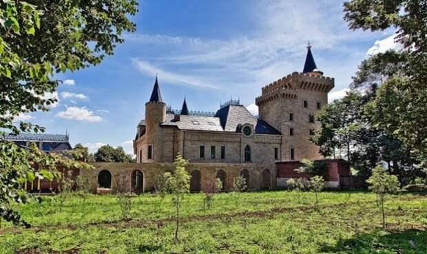 Настоящий замок.