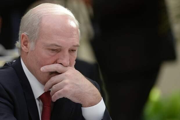 Роковая встреча - подавленный Лукашенко отказался беседовать с прессой после напряженной беседы с Путиным