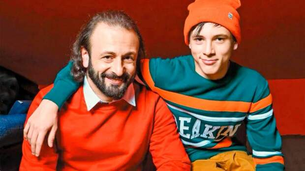 Сын Авербуха и Лобачевой Мартин: рассказал про измену отца, до 13 жил с мамой, занимается скейтбордингом