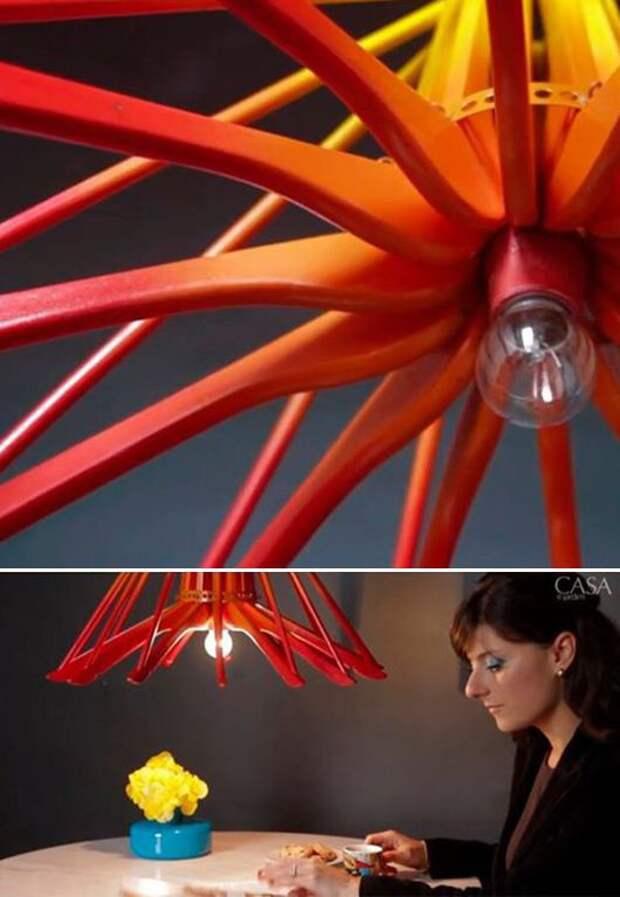 Люстры и светильники из вешалок плечиков