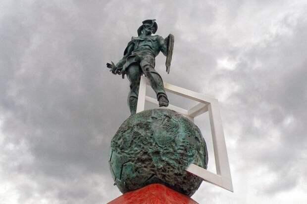 Памятник Спартаку в Москве, установлен в 2014 г.