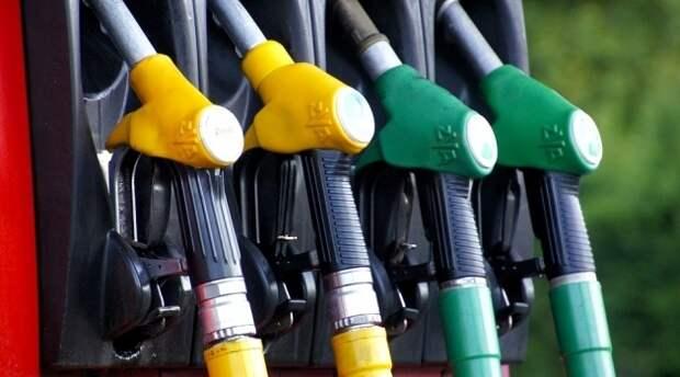 Путин объяснил повышение цен на бензин