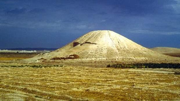 «Почитали убитых вбою»: сирийский курган оказался древнейшим военным мемориалом