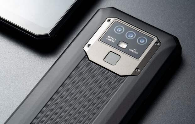 Представлен 90-долларовый неубиваемый смартфон с NFC, аккумулятором на 10 000 мА•ч и возможностью зарядки других устройств. Oukitel K15 Plus доступен со скидкой для самых быстрых