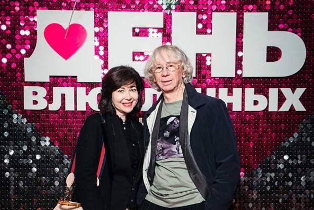 «День влюбленных»: целующихся Бузову и Стоцкую засняли вместе