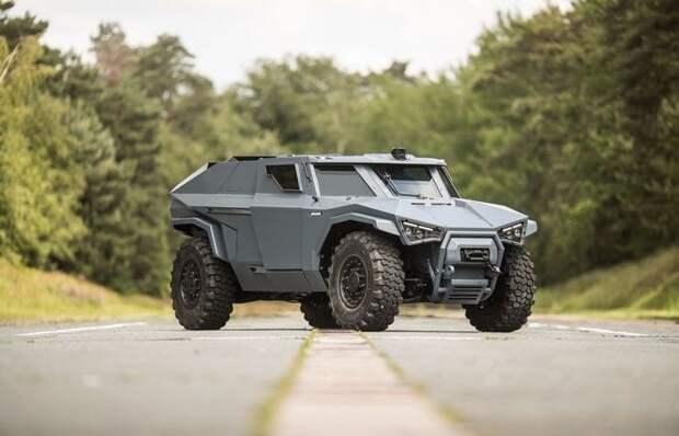 Новый броневик от Volvo умеет ездить боком