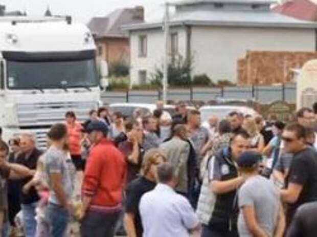 Новость на Newsland: В Одессе блокирована работа трех военкоматов