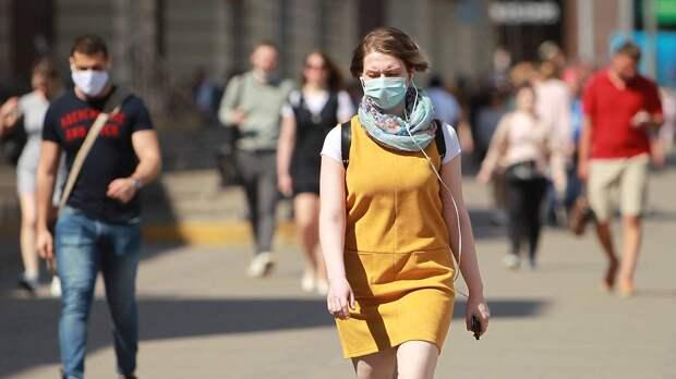 Роспотребнадзор сообщил о снижении числа случаев COVID-19 в России