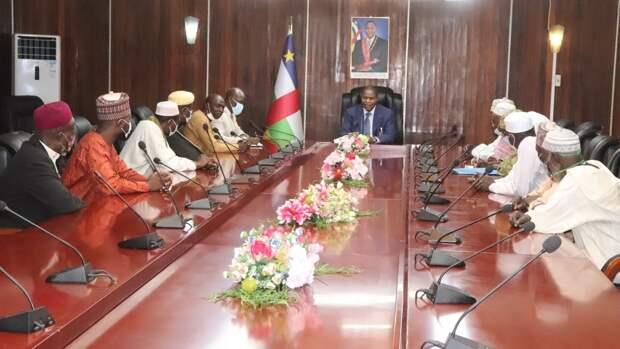 Президент ЦАР провел встречу с лидерами мусульманской общины республики
