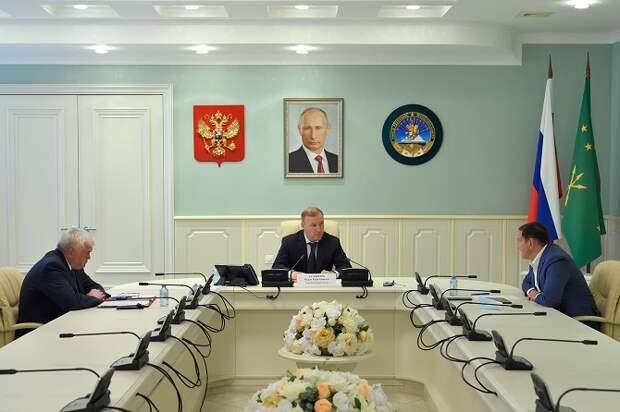 Глава Адыгеи провел встречу с руководителем управления федеральных дорог «Черноморье»