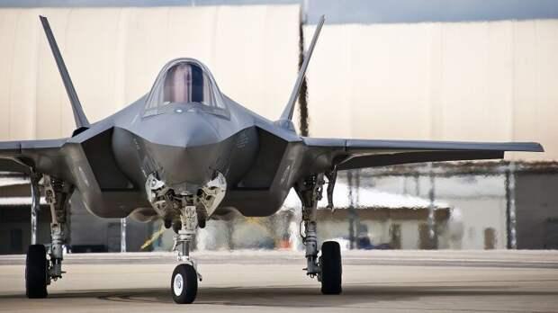 США оснастили истребители F-35 Японии ракетами «политической» дальности