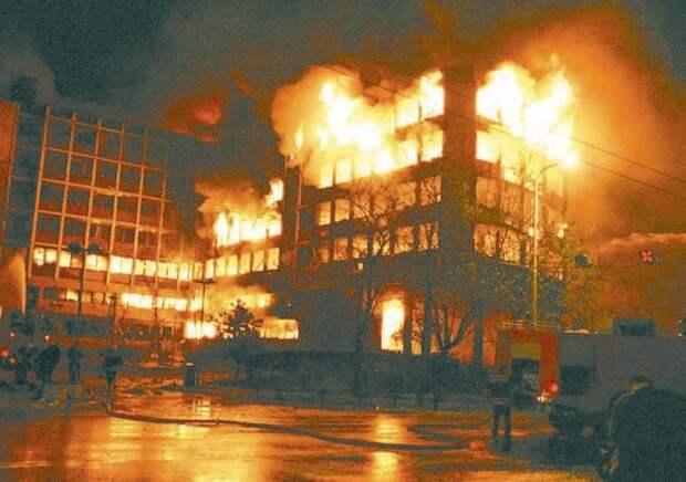 Что нарушили страны НАТО, «неся демократию» в Югославию в 1999 году?