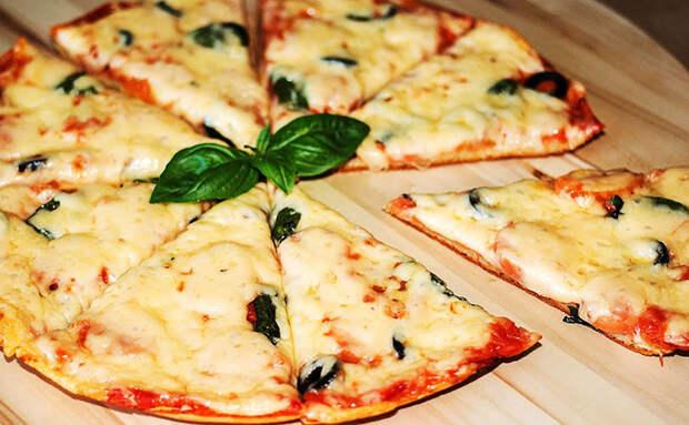 Пицца-пятиминутка без дрожжей, выпечки и выстаивания теста