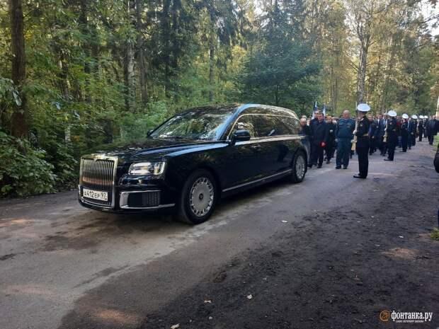 Гражданин и человек. В Петербурге по-семейному похоронили министра, не любившего публичность