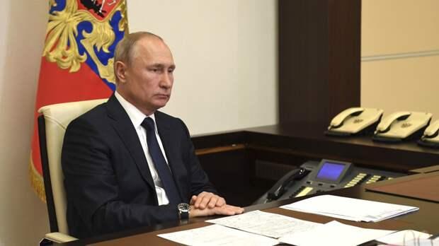 Владимир Путин назвал условие для выработки коллективного иммунитета к COVID-19