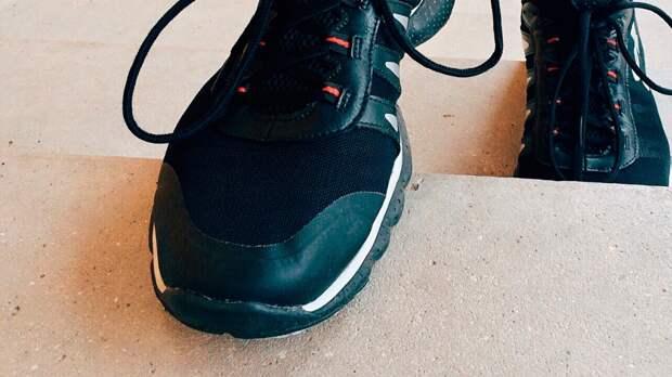 Директор сети Nike в Екатеринбурге избила подчиненного из-за кроссовок