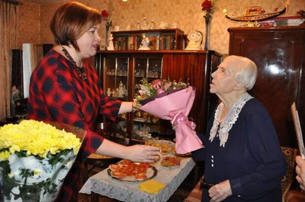 Участница обороны Москвы из Кузьминок отметила 100-летний юбилей