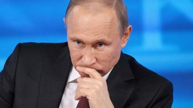 Пресс-секретарь Путина ответил на вопрос о самочувствии президента России после прививки от коронавируса