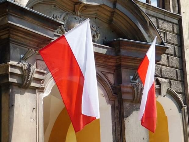 Министр обороны Польши заявил о решении разместить военных США на востоке страны