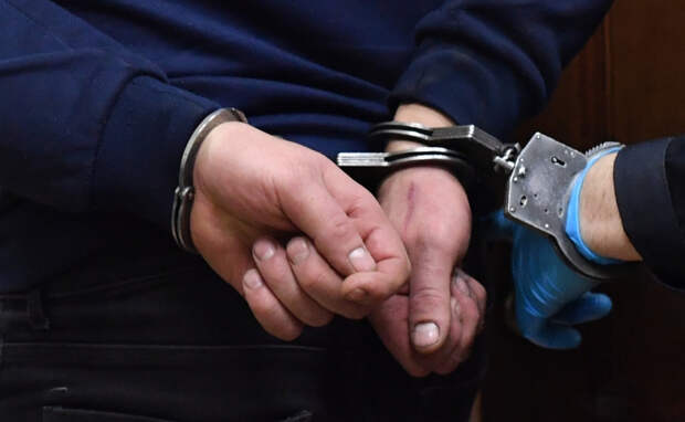 В Бологое безработный украл запчасти из гаража пенсионерки