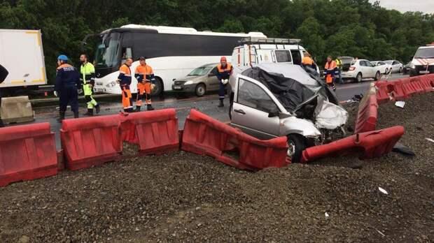 Выехавший навстречку водитель стал причиной смерти трех человек вРостовской области