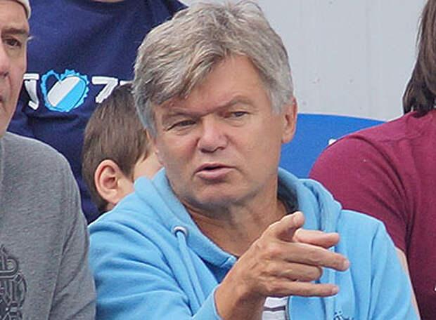 Сергей ВЕДЕНЕЕВ: Ракицкого в центре обороны может заменить Сантос, а слева сыграет Жирков. Жду отчаянных  действий Акинфеева в первом тайме и победный гол «Зенита» - во втором